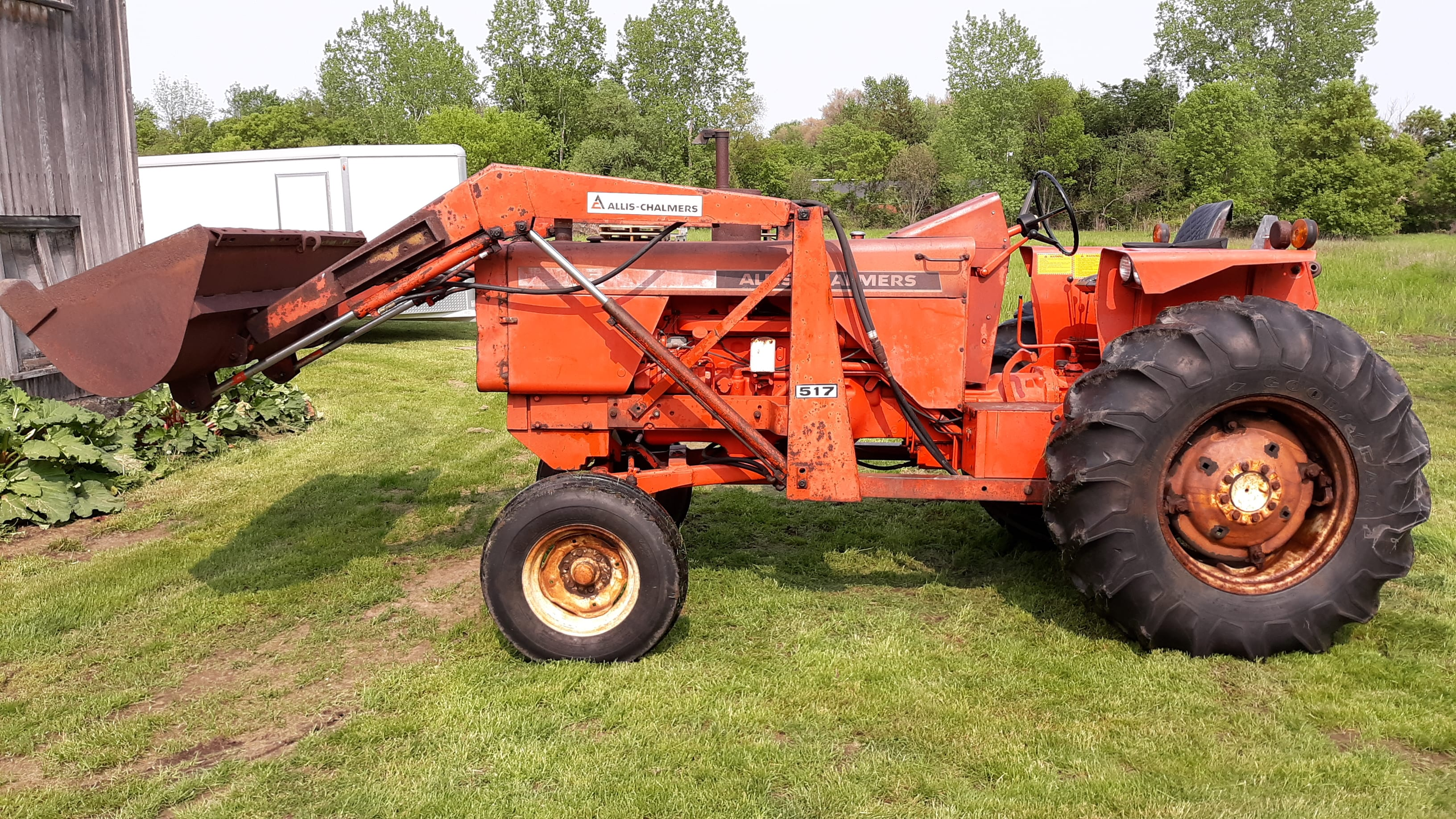 "1976 Allis Chalmers 185 ""Crop Hustler"" w/ AC 517 Loader"